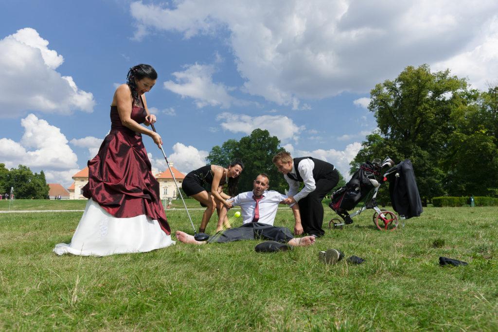 Svatba Slavkov - zahrada u kašny s vodotryskem